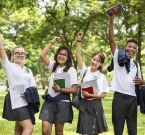 Passez le GCSE, diplôme reconnu à l'échelle internationale, grâce à Open Sky International !