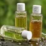 10 huiles essentielles indispensables pour vivre un été en tranquillité
