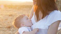 Faut-il sevrer bébé pour pouvoir partir en vacances ?