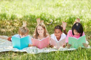 4-astuces-pour-faire-lire-ses-enfants-en-expatriation