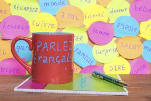 Par quel bout prendre le français à la maison en expatriation ?