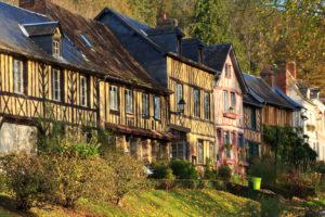 Trois villages à ne pas manquer en France cet été - Bec Hellouin