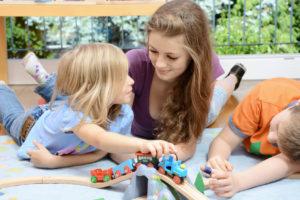 Garde-enfant-multilingue-au-retour-d-expatriation