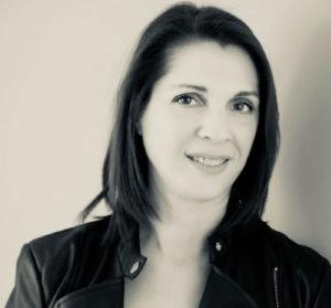 Retour d'expat, Alexandra crée le podcast « La p'tite chronique lumineuse »