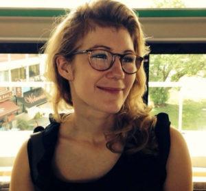 Emmanuelle éclaire l'expat avec son podcast