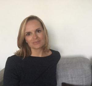 Portrait-de-Laure-Ramieri-directrice du média Dubaimadame