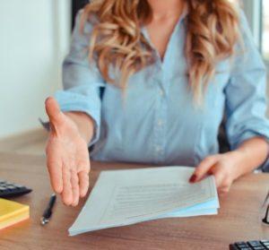 Boulot-retour-expat-mode-emploi-6-points-UNE femmexpat 559x520