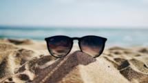 Entrepreneurs-et-si-vous-profitiez-de-la-pause-estivale-pour-prendre-soin-de-vous-UNE femmexpat