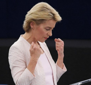 Et-a-la-tete-de-la-commission-EU-c-est-finalement-une-femmexpat 559x520