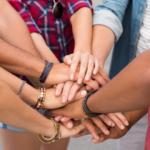 Les-relations-amicales-et-familiales-au-retour-d-expat-oucomment-ne-pas-trop-dechanter-UNE femmexpat