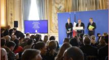 Reforme-de-l-enseignement-français-a-l-etranger-Photo France Diplomatie-UNE femmexpat 559x520-3