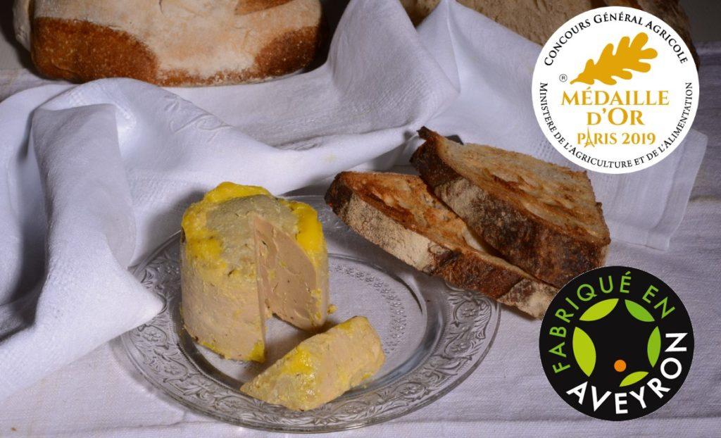 foie gras avec un pain de campagne