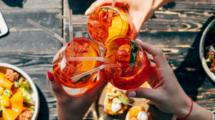Les-bonnes-meres-boivent-du-spritz-UNE femmexpat 559x520-4