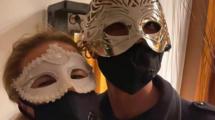 Virus-masque-chroniques-Delphine-Shnaghai-UNE femmexpat 559x520