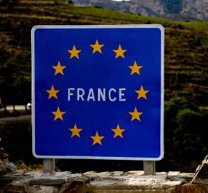 Covid 19 Quelle Attestation Presenter Pour Les Francais De L Etranger De Retour En France Femmexpat