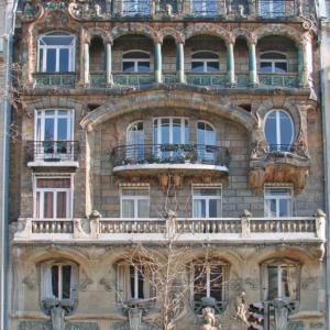 Immeuble_art_nouveau_de_Jules_Lavirotte_à_Paris_