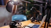 Podcast-mode-emploi-UNE femmexpat 559x520